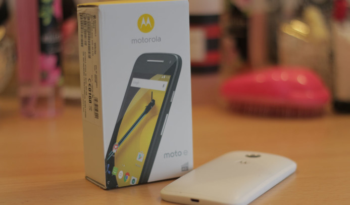 moto e 2nd unboxing (1)