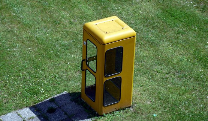 phone-booth-358352_1280